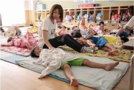 保育教諭の一日、お昼寝介助