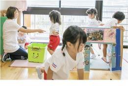 保育教諭の一日、遊びの見守り、援助